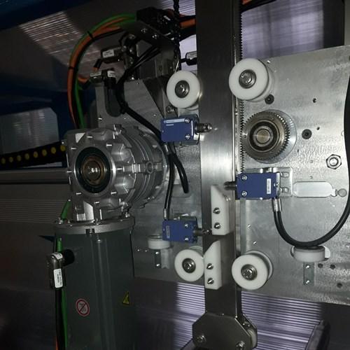 robot-x-y-(2).jpg
